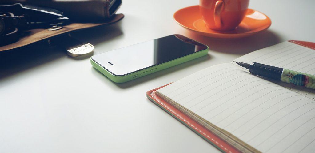 Cellulare e blocco appunti